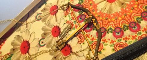 Arc et flèche en bois - Sautoirs